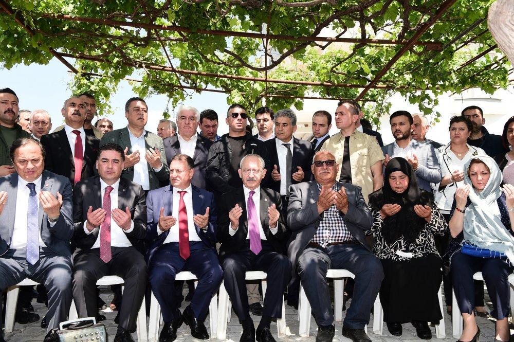 Kılıçdaroğlu'ndan şehit Ahmet Bayram'ın ailesine taziye ziyareti