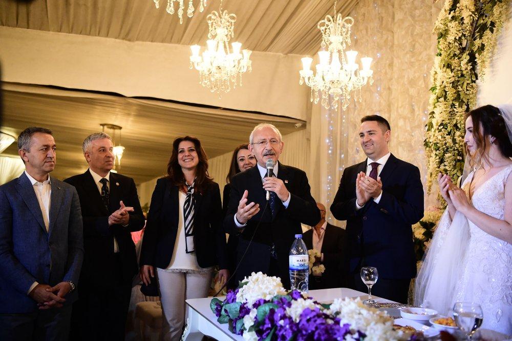 Kılıçdaroğlu, Kayseri CHP Gençlik Kolları eski Başkanı Hasan Demir ile Ceren Aydemir'in nikah törenine katıldı