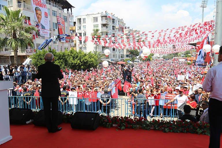 Kılıçdaroğlu, Mersin İl Başkanlığı'nın düzenlediği etkinlikte Mersinlilere seslendi