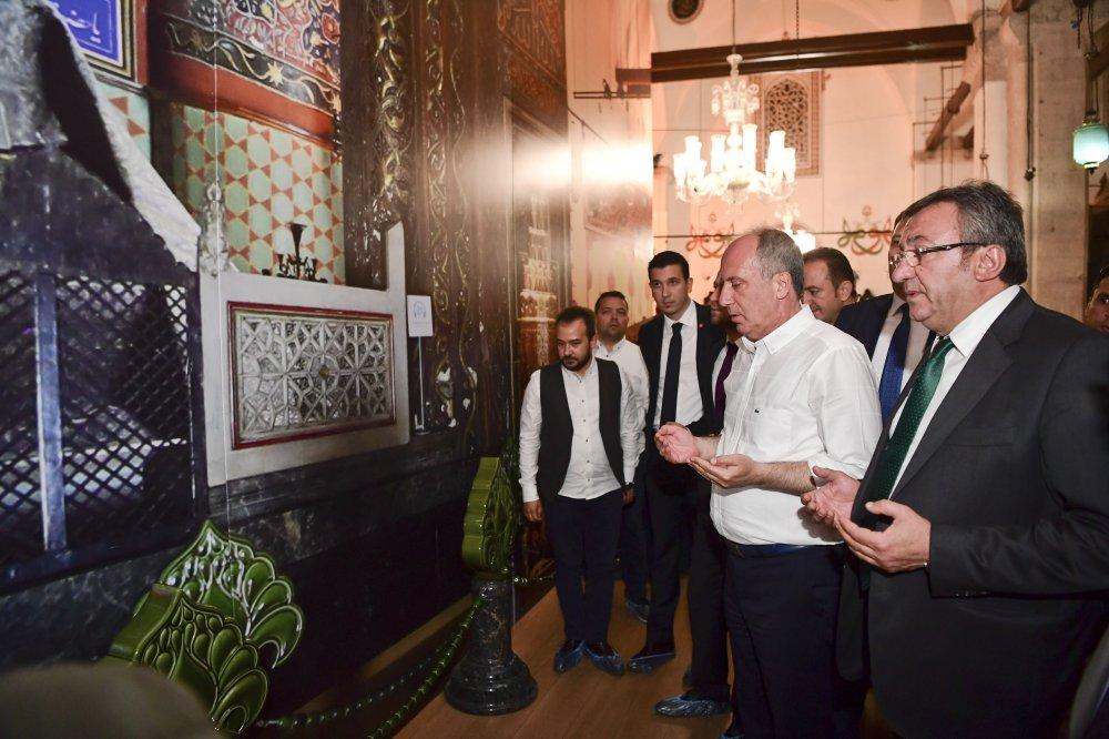 Muharrem İnce Mevlana Müzesi'ni ve türbesini ziyaret etti