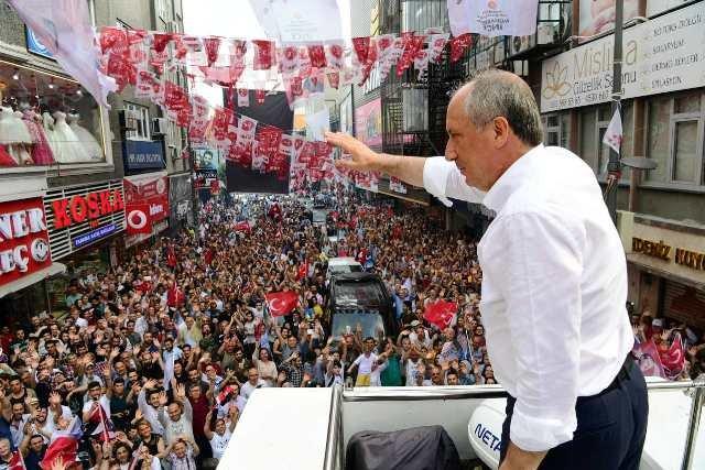 Muharrem İnce, İstanbul Küçükçekmece'de halka seslendi