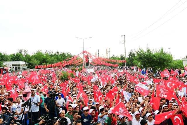 Muharrem İnce, Diyarbakır'da halka hitap etti