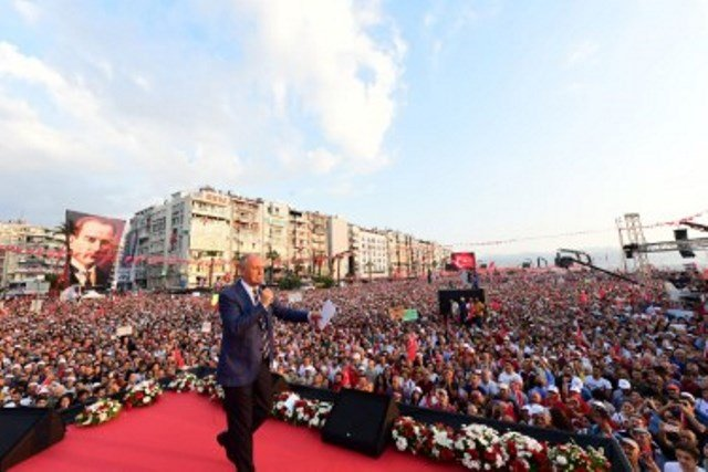 Muharrem İnce İzmir'de tarihi kalabalığa seslendi