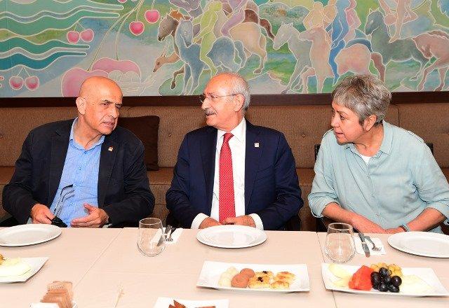 Tahliye sonrası Kılıçdaroğlu ile Enis Berberoğlu bir araya geldi