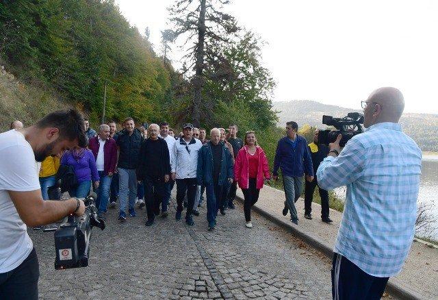 Kılıçdaoğlu, Abant Tabiat Parkı'nda yürüyüş yaptı