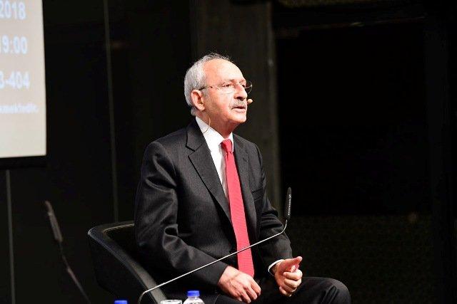 Kılıçdaroğlu, 'Türkiye'de Gençlik ve Siyaset' konulu konferansa katıldı