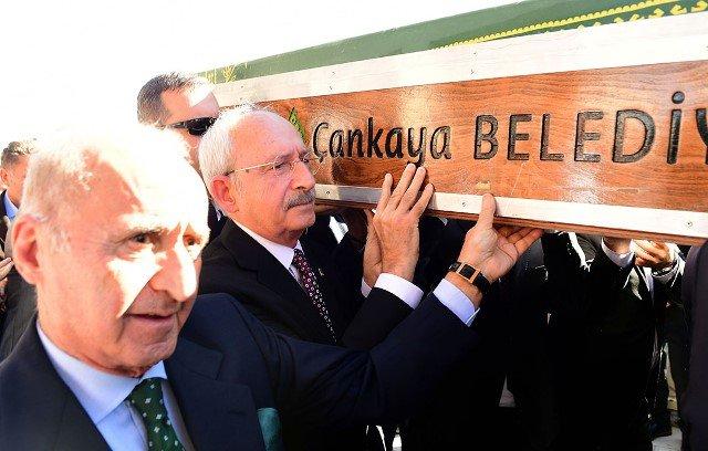 Kılıçdaroğlu, CHP Milletvekili Tekin Bingöl'ün annesinin cenaze törenine katıldı