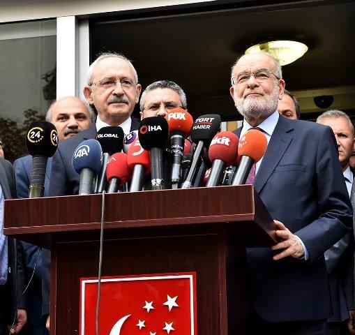 Kılıçdaroğlu, Saadet lideri Karamollaoğlu ile görüştü.