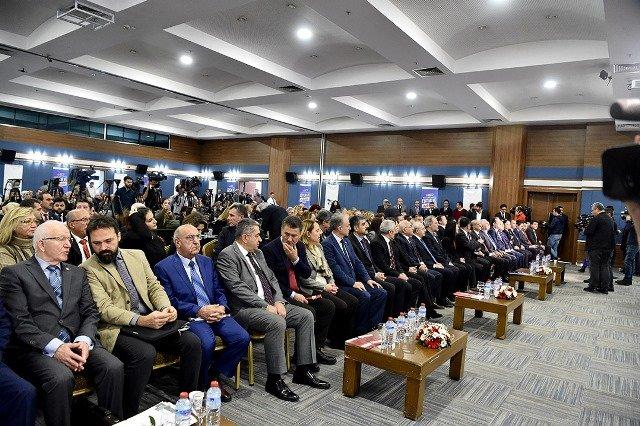 Kılıçdaroğlu 'İnsan Haklarında Eşitlik ve Adalet Çalıştayı'na katıldı