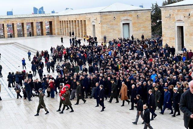 Kılıçdaroğlu, Anıtkabir'de İsmet İnönü'yü anma törenine katıldı