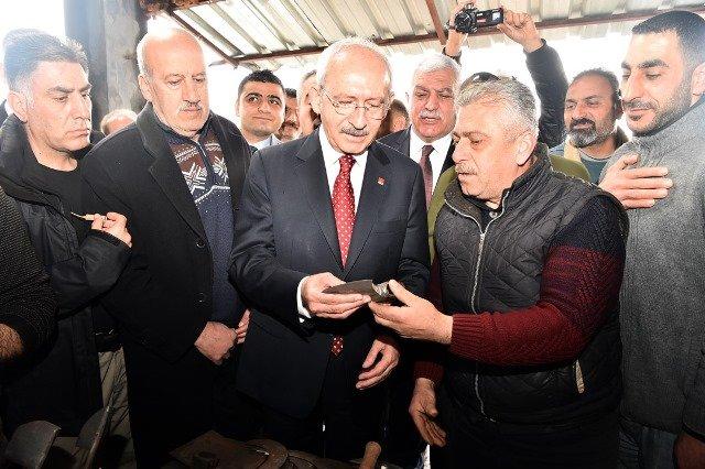 Kılıçdaroğlu, Antakya'da demirci esnafını ziyaret etti