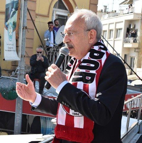 Kılıçdaroğlu, Manisa'da halkla buluştu