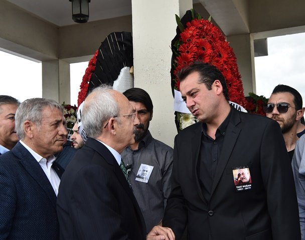 Kılıçdaroğlu,gazeteci Taki Doğan'ın cenaze törenine katıldı