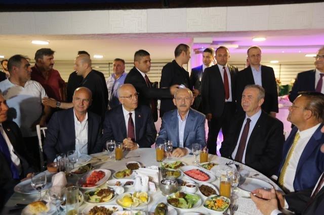 Kılıçdaroğlu, Ankara Minübüsçüler Esnaf Odası iftarına katıldı