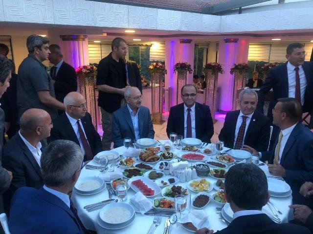 Kılıçdaroğlu, Ankara Minübüsçüler Esnaf Odası'nın iftarına katıldı