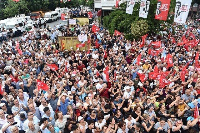 Kılıçdaroğlu, İstanbul Kağıthane'de vatandaşlarla buluştu