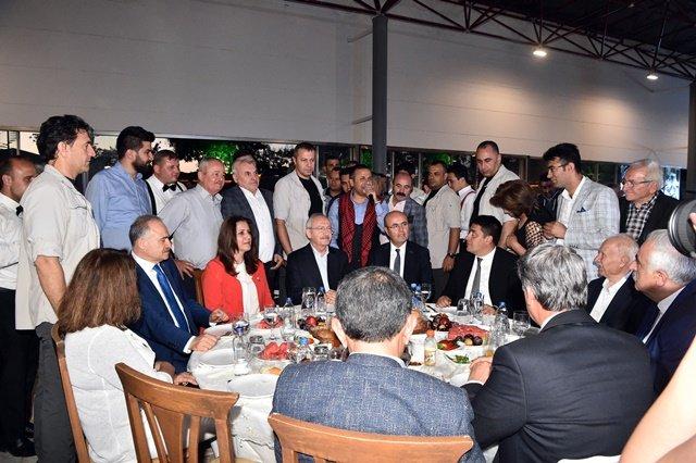 Kılıçdaroğlu, Kırşehir Milletvekili Metin İlhan'ın oğlu Mustafa Batu İlhan'ın sünnet törenine katıldı