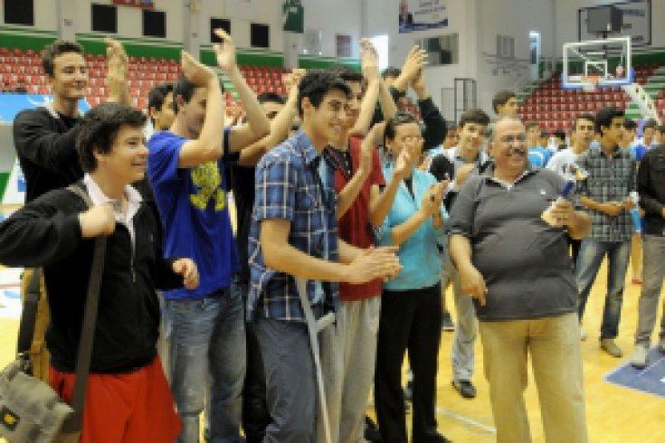 Aliağalı öğrencilerin turnuvaları nefesleri kesti