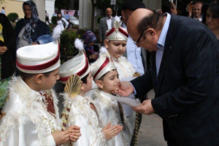Bakırköy Belediyesi'nin geleneksel hale getirdiği sünnet organizasyonunun bu yıl  onuncusu  yapılacak.