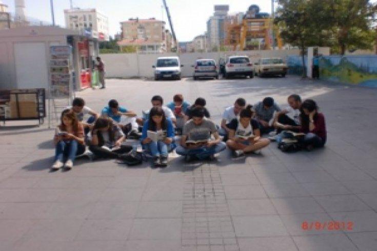 CHP Bağcılar Gençlikten okuma etkinliği