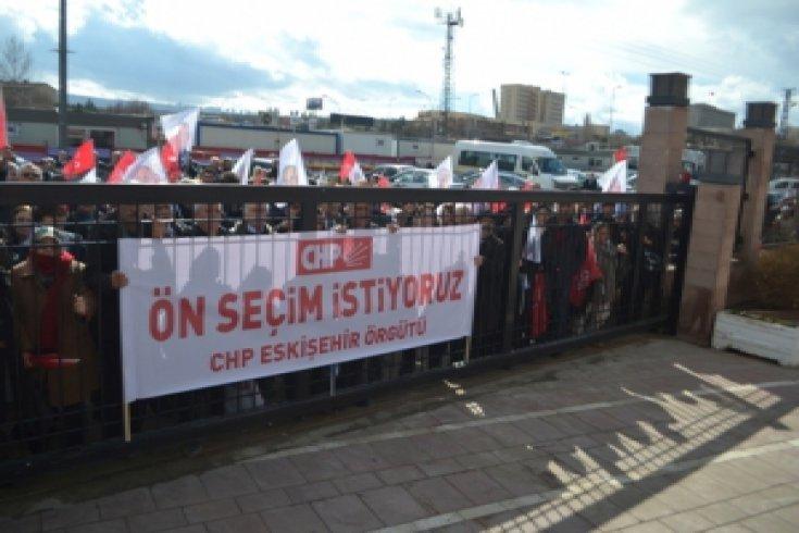 CHP Eskişehir Örgütü ön seçim talebi ile genel merkezde