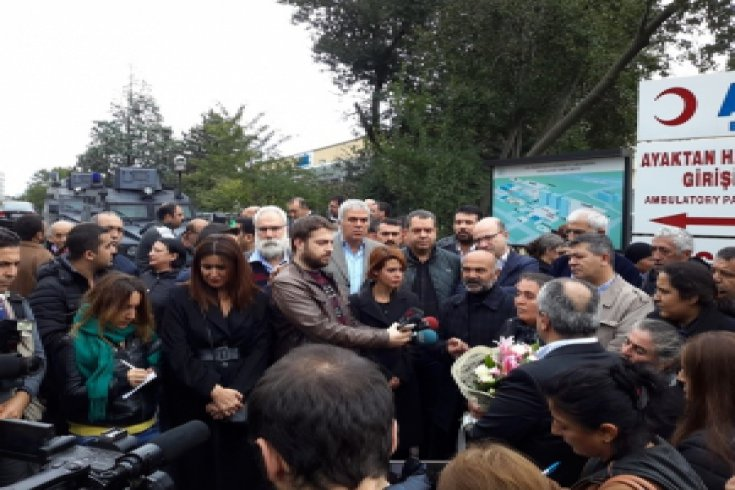CHP İstanbul il yönetimi Dilek Doğan'a ziyaret etti