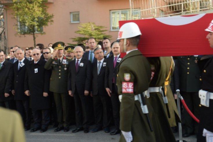 CHP Lideri Kılıçdaroğlu, Şehit Astsubay Uygun'un cenaze töreni Fotoğraf galerisi
