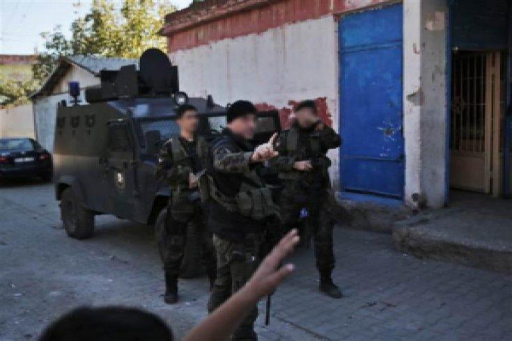 Dünya Diyarbakır'da seçimi Reuters, AP ve AFP'den izledi