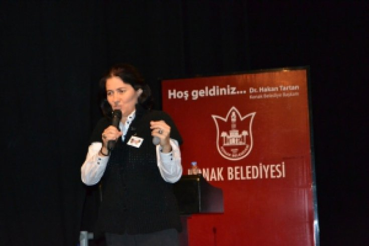 Hilal Dokuzcan İzmir'de