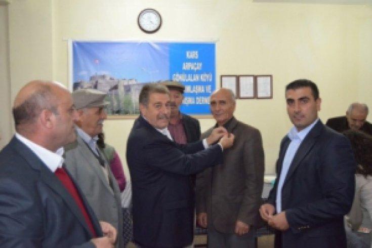 İzmir'de CHP'ye toplu katılım