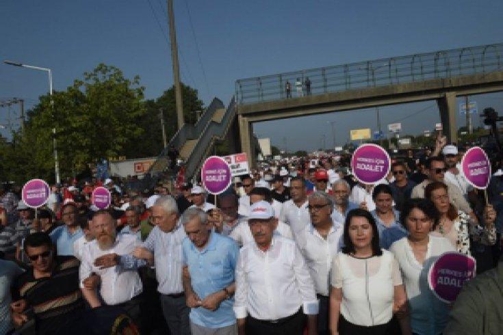 İzmit'e ulaşan Adalet Yürüyüşü'nün 19. gününden kareler