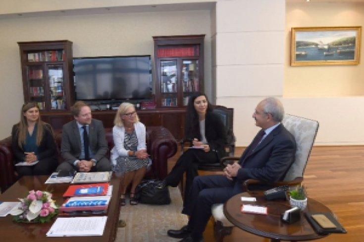 Kılıçdaroğlu, İsveç Sosyal Demokrat Parti ve Olof Palme Merkezinden gelen bir heyet ile görüştü