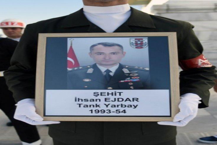 Kılıçdaroğlu, Şehit Yarbay İhsan Ejdar'in cenaze törenine katıldı