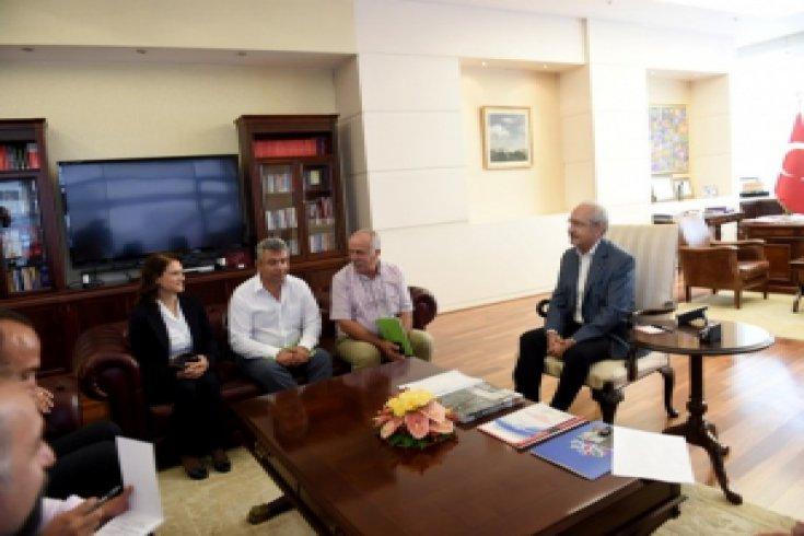 Kılıçdaroğlu, Tarım-Orman_İş Sendikası Genel Başkanı ve Yönetim Kurulu Üyelerini kabul etti