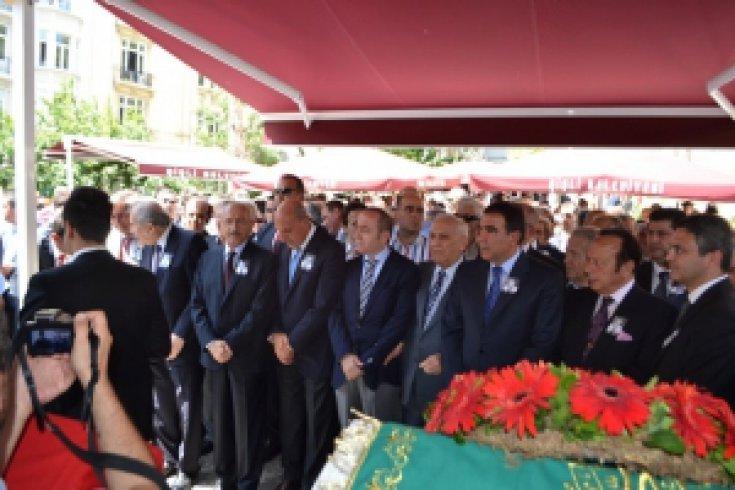 Kemal Kılıçdaroğlu İnal Batu'nun Cenazesinde