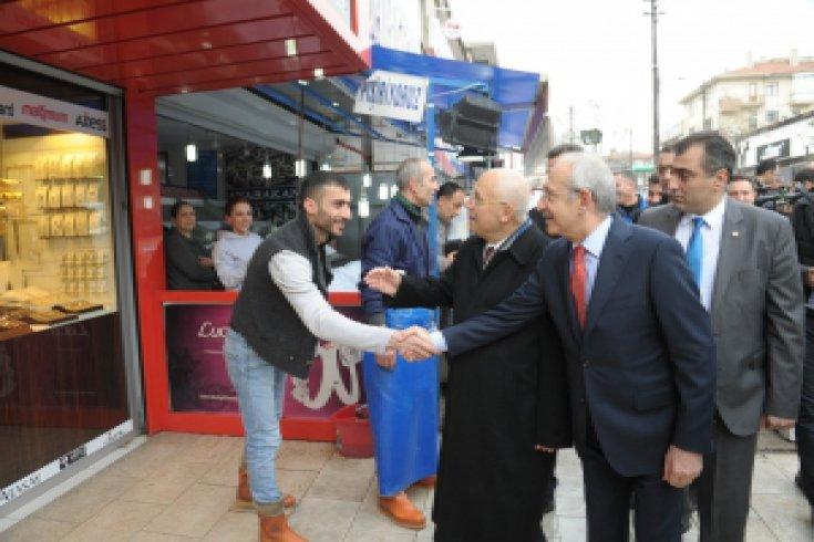 Kılıçdaroğlu , Yenimahalle'de Esnafla Buluştu