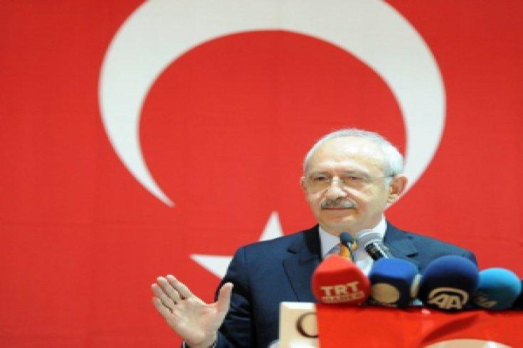Kılıçdaroğlu, Adana'da muhtarlarla buluştu
