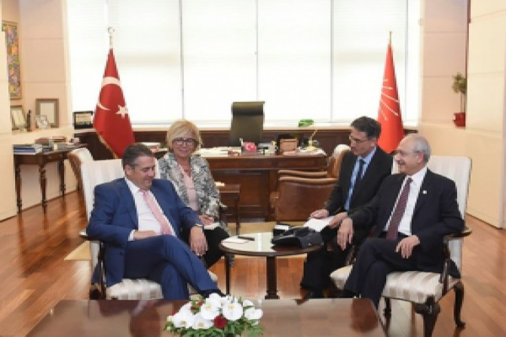 Kılıçdaroğlu, Almanya Dışişleri Bakanı Sigmar Gabriel'i kabul etti