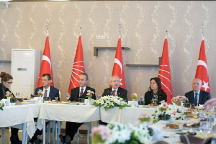 Kılıçdaroğlu, Ankara'da gazetecilerle bir araya gelerek gündeme ilişkin soruları yanıtladı