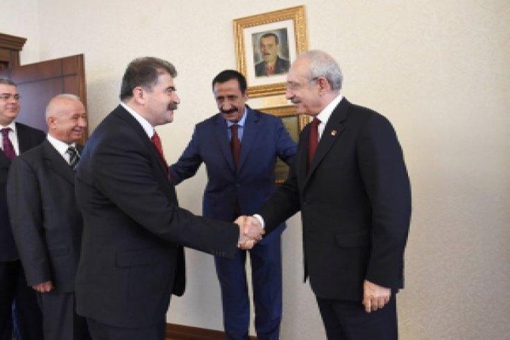 Kılıçdaroğlu, Antalya Yörük İlbeyi hemşehri derneklerini kabul etti