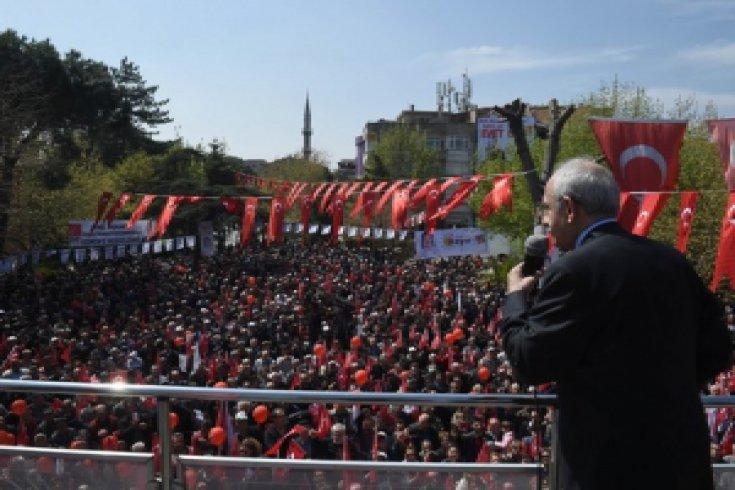 Kılıçdaroğlu, Balıkesir'in Gönen ilçesinde halkla bir araya geldi
