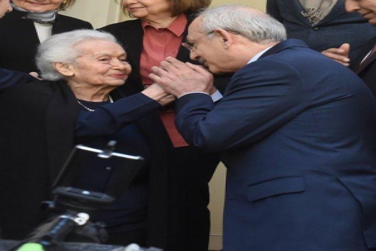 Kılıçdaroğlu, Celal Bayar'ın kızı Nilüfer Gürsoy'u ziyaret etti