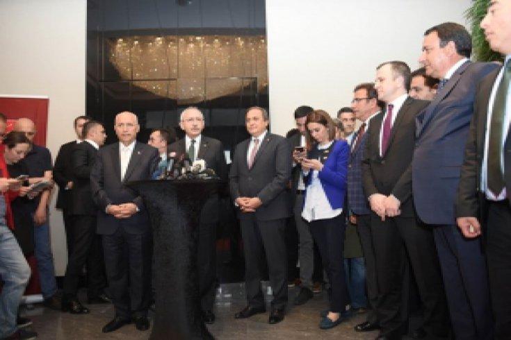 Kılıçdaroğlu CHP'li belediye başkanları ile bir araya geldi
