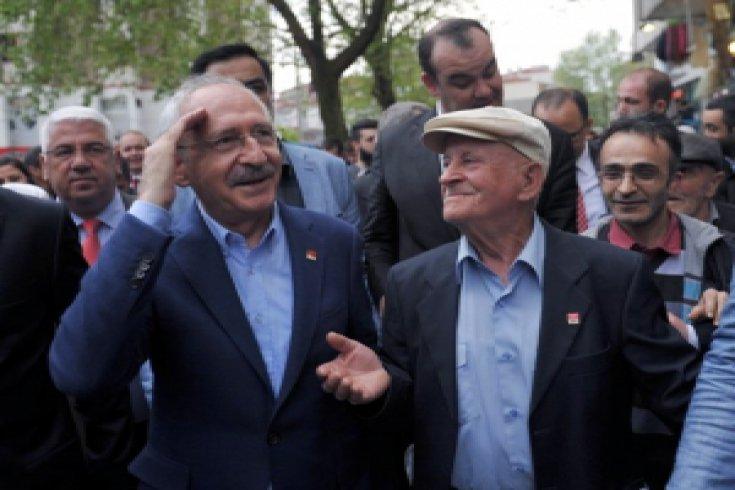 Kılıçdaroğlu, Çorlu'da halkla kucaklaştı
