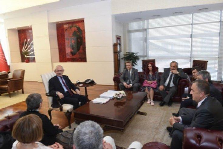 Kılıçdaroğlu, Dil Derneği Genel Başkanı ve üyelerini kabul etti