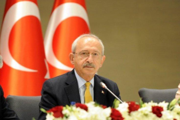 Kılıçdaroğlu, gazetelerin genel yayın yönetmenleriyle İstanbul'da bir araya geldi