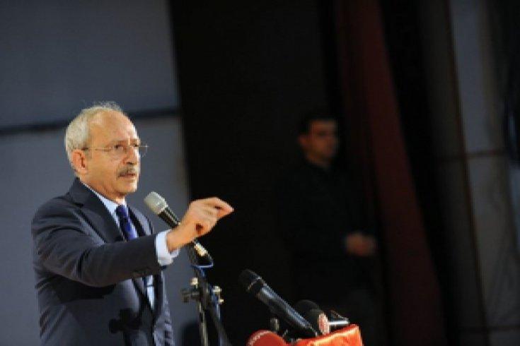 Kılıçdaroğlu, Kayseri'de sivil toplum kuruluşlarının temsilcileriyle ve muhtarlarla bir araya geldi