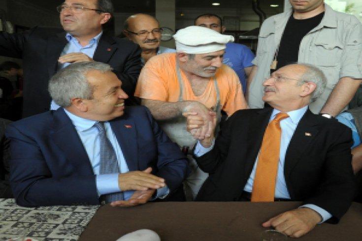Kılıçdaroğlu, Mihraplı Kıraathanesi'nde vatandaşlarla sohbet etti