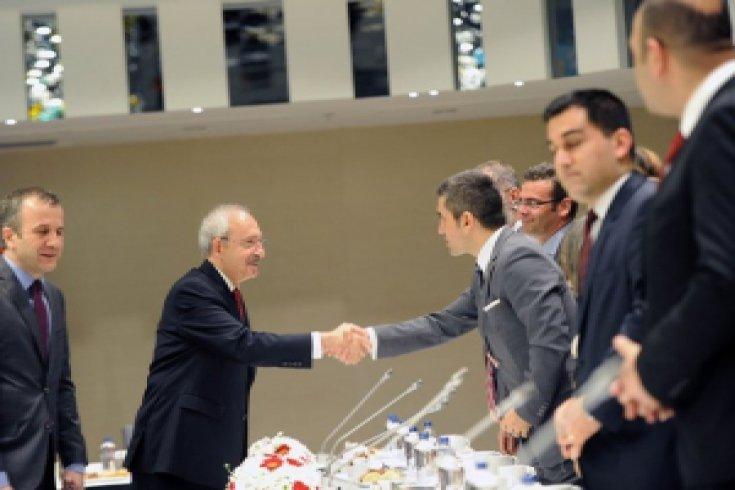 Kılıçdaroğlu, televizyon kanallarının genel yayın yönetmenleri ve haber müdürleriyle İstanbul'da bir araya geldi