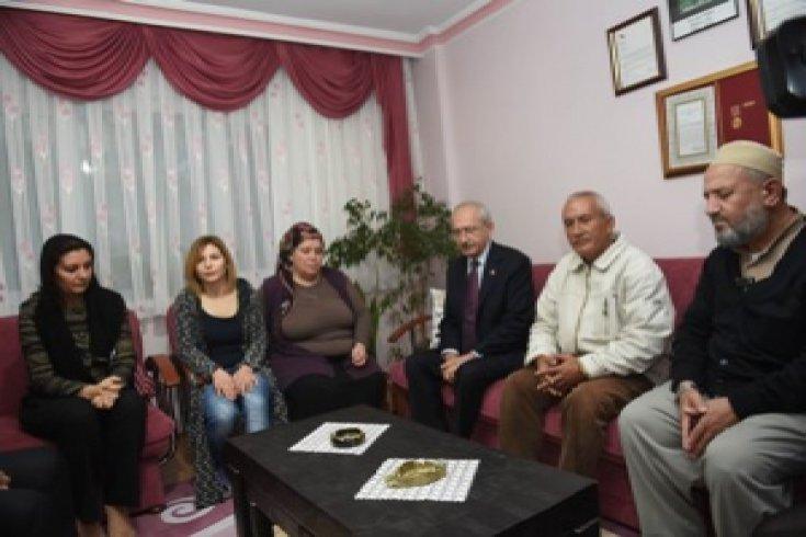 Kılıçdaroğlu'nun şehit Emrah Yiğit'in ailesini ziyareti